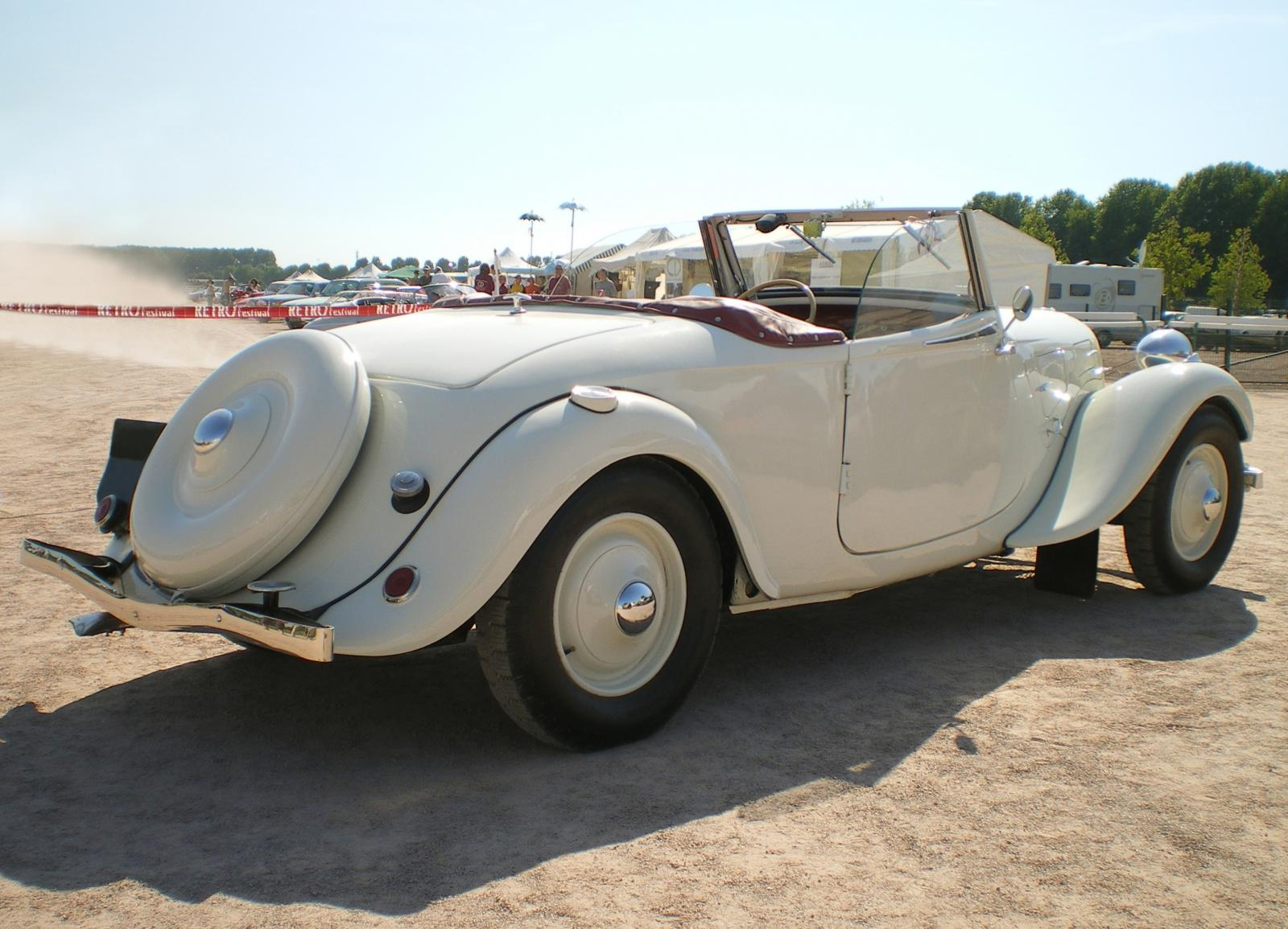 Traction 15 SIX cabriolet blanc