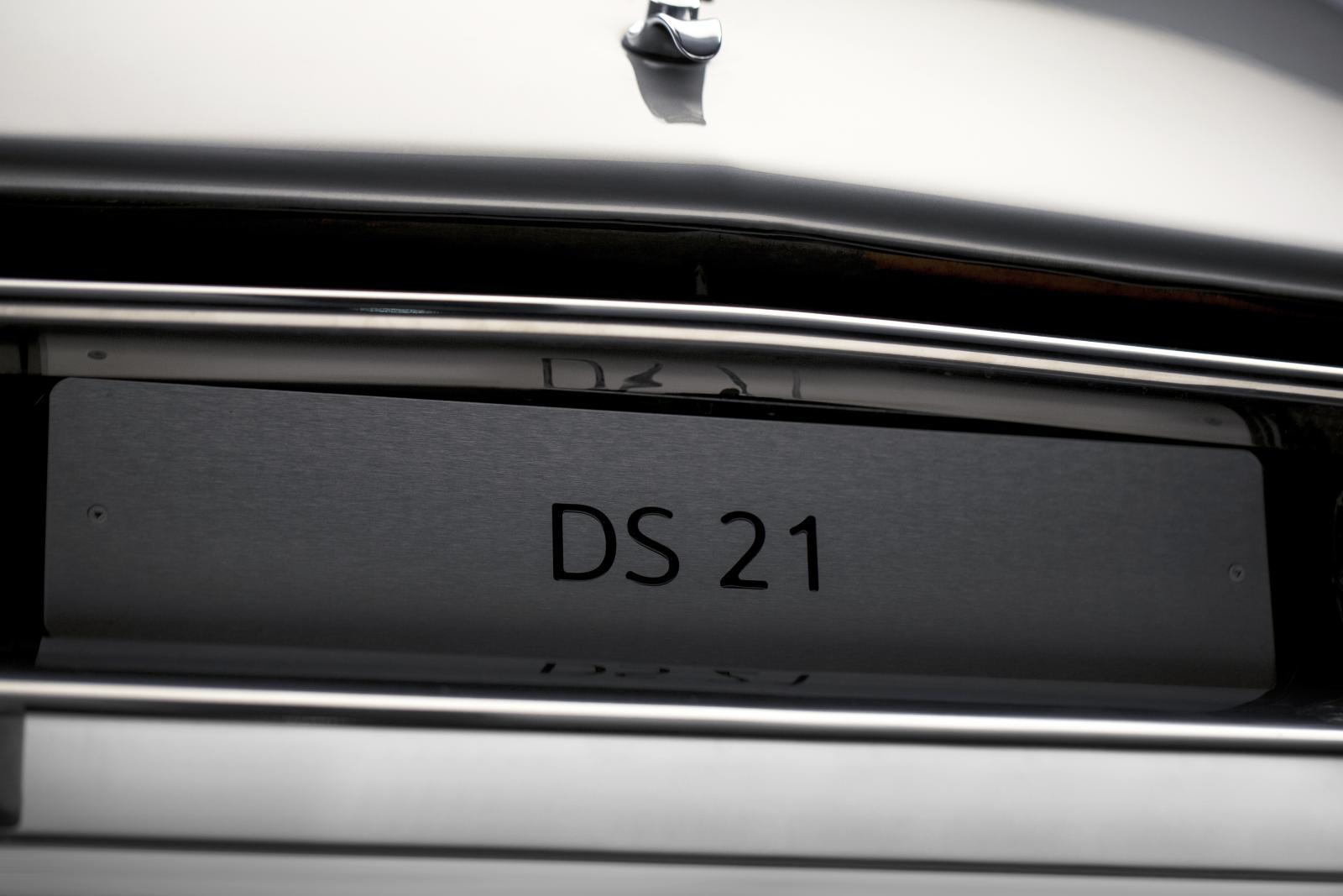 DS 21-Plate